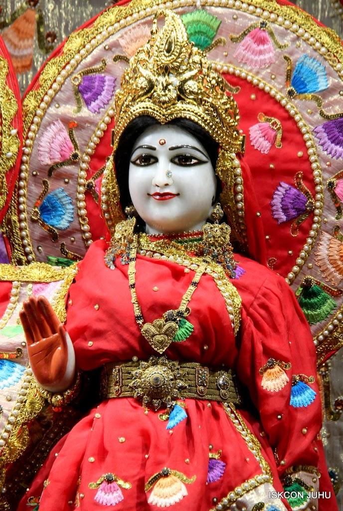 ISKCON Juhu Mangal Deity Darshan on 28th Aug 2016 (30)