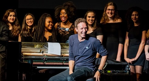 Notes-And-Words-2016-Concert-Chris-Martin-Oakland-Childrens-Hospital