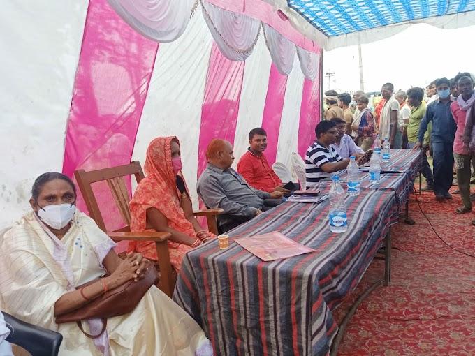 कर्नलगंज गोंडा – सेल्हरी गांव मे ज्यादातर गांवों में स्वयं सहायता समूह को कोटा संचालन की जिम्मेदारी सौंपी गई