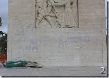 Scritte sul monumento Diaz