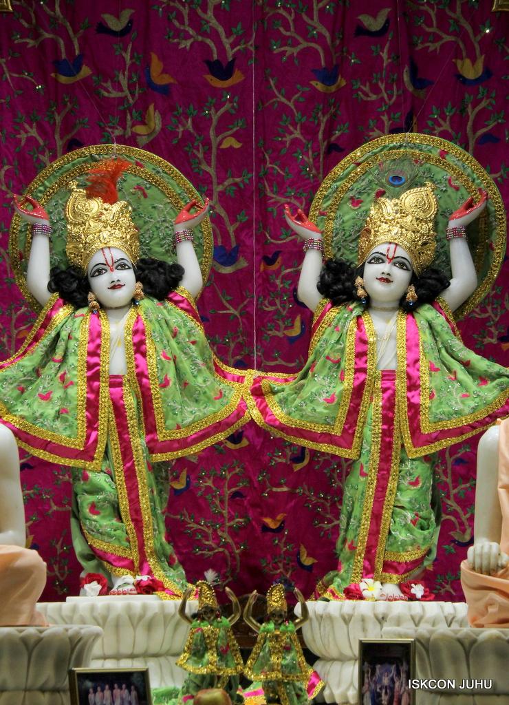 ISKCON Juhu Mangal Deity Darshan on 19th Nov 2016 (28)
