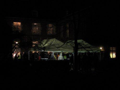 En daar daagt in het duister het Kasteel van Kestergat op.