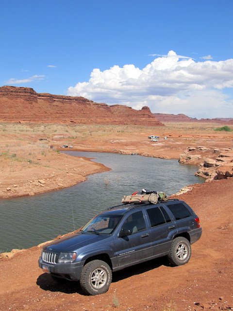 Jeep parked near the water in Farley Canyon