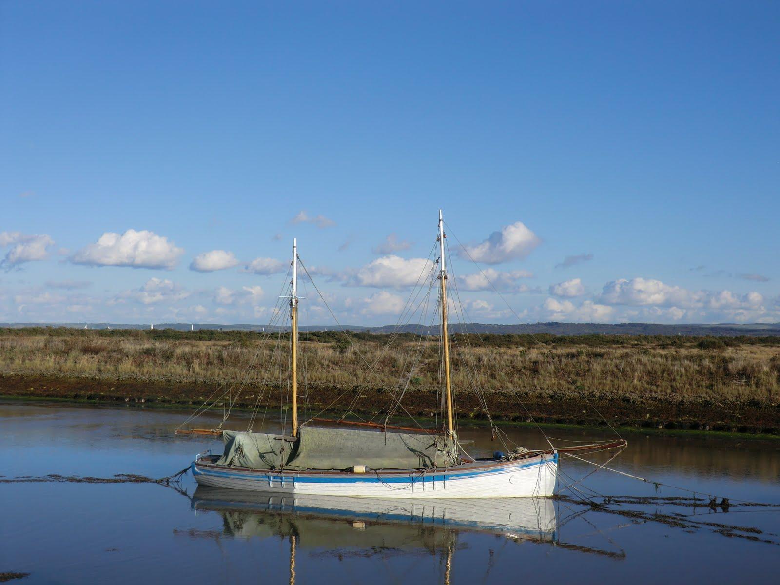 CIMG5145 Boat in Moses Dock