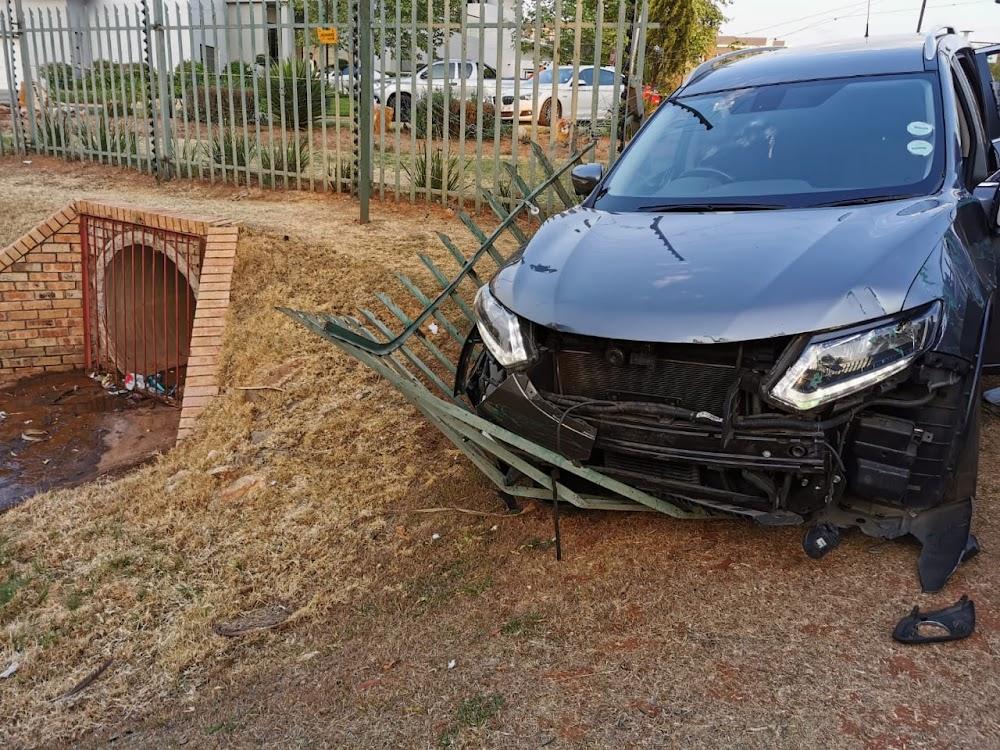 Twee sake-roofverdagtes is deur die polisie in Joburg doodgeskiet - SowetanLIVE