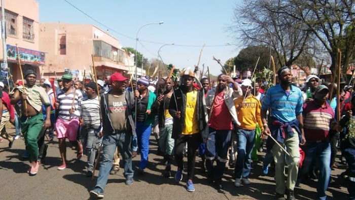 "Big Tension Erupts South Africa As angry youths storms the street in a fresh protest chanting ""Foreigners must leave"" (See Video)"