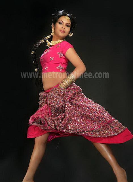 Actress Jyothirmayi  Hot Navel