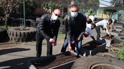 """""""The planter boxes we received through M&R and Kyocera will be used to grow seedlings that will later be transplanted to raised tyre gardens for further growth,"""" said Leonor Ngozi, Principal at Ithembelihle. Ithembelihle is the first recipient school for Kyocera's cartridge recycling project."""