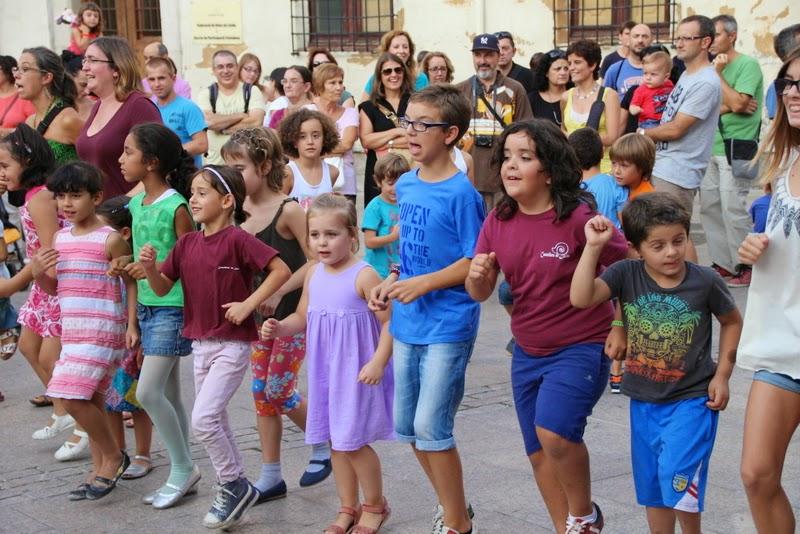 Festa infantil i taller balls tradicionals a Sant Llorenç  20-09-14 - IMG_4315.jpg