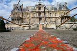 """Une première installation de l'événement artistique """"LIBRES RÉSONANCES""""en collaboration avec D.Tricot à Maisons-Laffitte. Ici , face au Château deMaisons-Laffitte, construit parMansard"""
