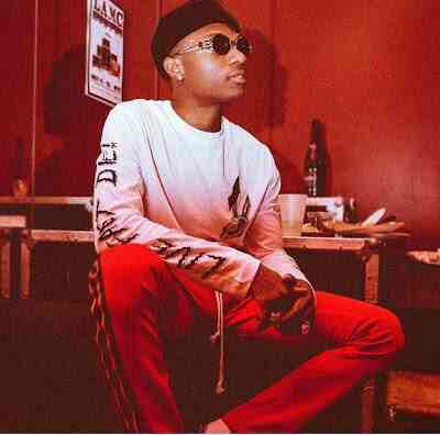 Wizkid Celebrates His Birthday With Big Booty Ladies Twerking For Him