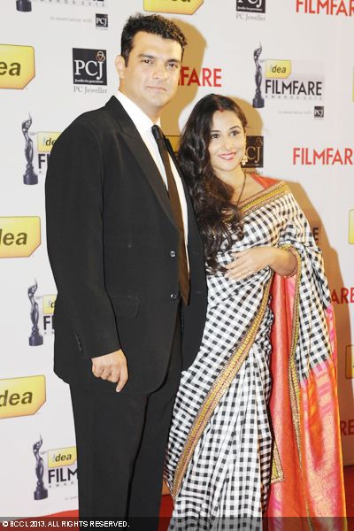 Vidya Balan and Siddharth Roy Kapur looked a perfect couple during the 58th Idea Filmfare Awards, held in Mumbai. Click here for: 58th Idea Filmfare Awards
