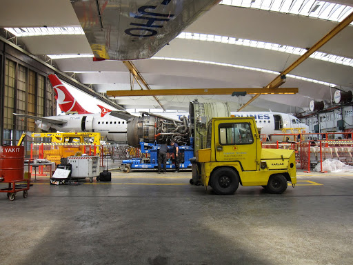 Airplanes being repaired, Turkish Technic, Turkish Airlines