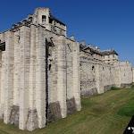 Château de Vincennes : tour d'angle sud-est et fossé est