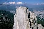 Tyrolienne sur le rocher des 3 pucelles avec vue sur Grenoble
