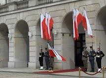krakowskie przedmieście warszawa 4wiecień 2010 024.jpg