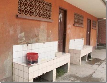 Distrito 8 de El Alto: Sólo 50% de colegios tiene conexión de alcantarillado