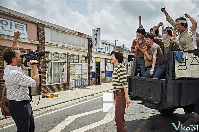 Xem Phim Tài Xế Taxi - A Taxi Driver - phimtm.com - Ảnh 2