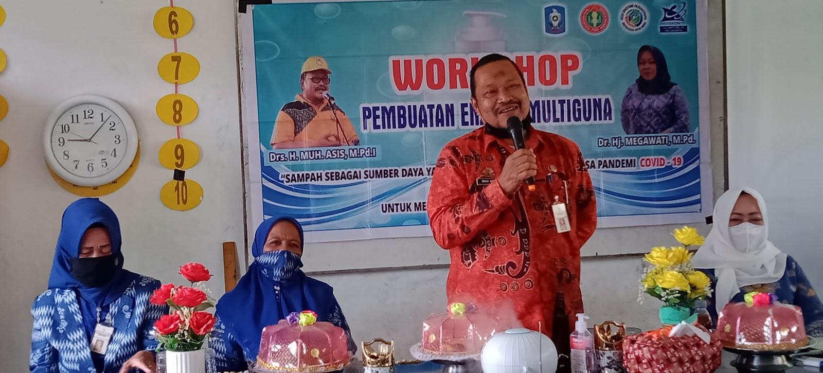 Kepala Dinas Dikbud Kabupaten Soppeng Hadir Dalam Kegiatan Workshop Pembuatan Enzyme Multiguna