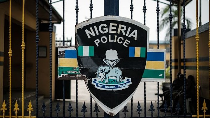 E DON START!!!  Police Fire Teargas At June 12 Protesters In Lagos
