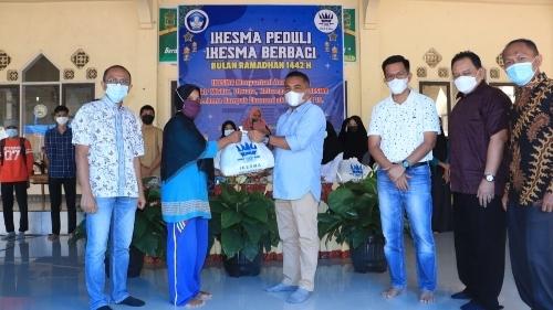 Ikesma Peduli,  Alumni Salurkan Bantuan 500 Sembako  Untuk Masyarakat Kurang Mampu dan Anak Yatim