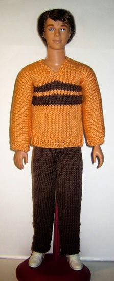 Брюки и оранжевый свитер для Кена