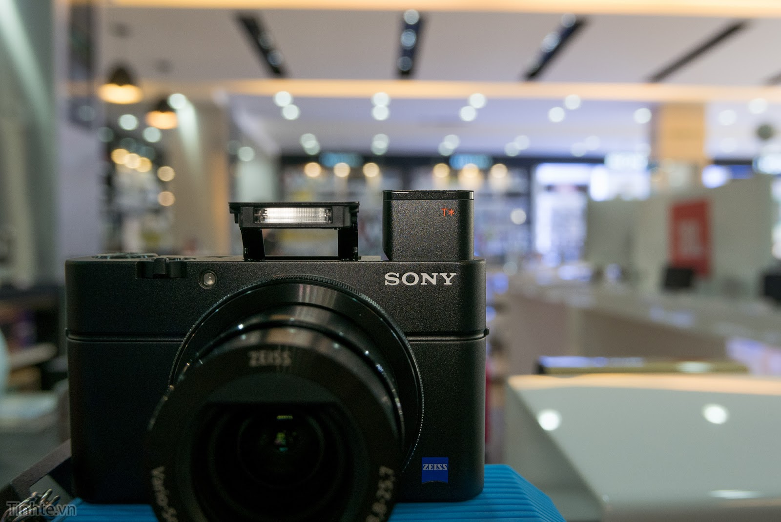 Tinhte.vn_Sony_RX100_mark_IV_4-5.