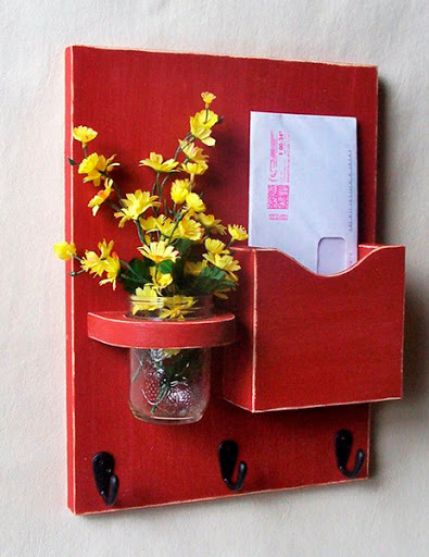 Porta cartas de madeira reciclada