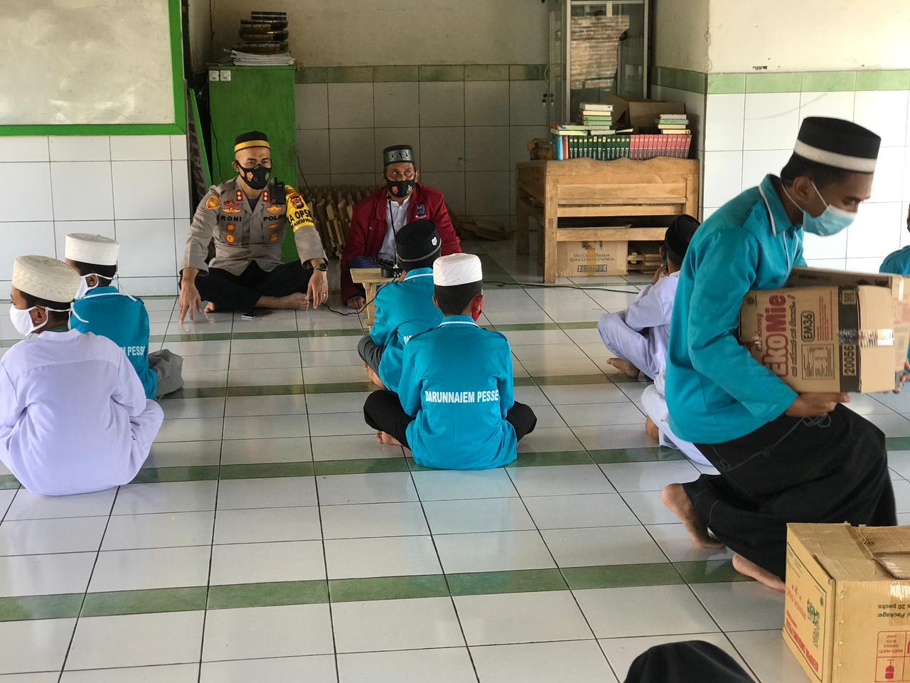 Mencari Keberkahan Ramadhan Kapolres Soppeng Berkunjung dan Berbagi di Ponpes Darunnaiem Pesse