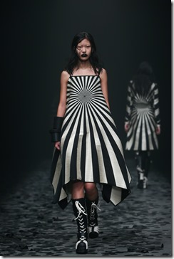 Mercedes-Benz China Fashion Week_GarethPugh10