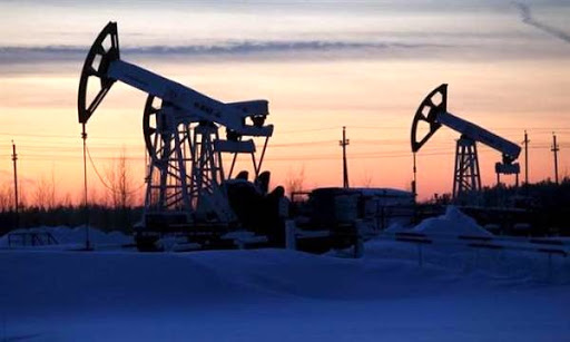Oil Jumps as Sentiment Boosted; Analysts Warn of Glut