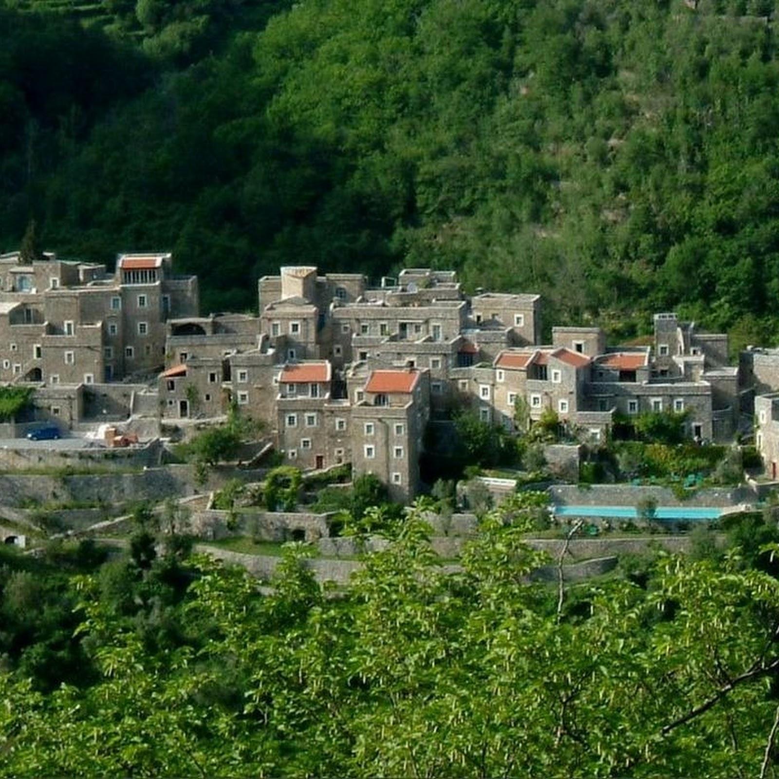 Colletta di Castelbianco: A Modern Stone Village