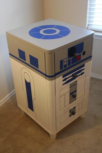 R2D2 Dresser