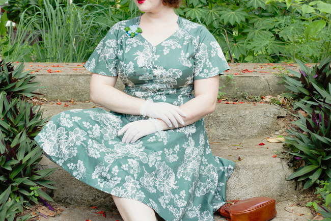 Vintage summer style in sage green with floral details   Lavender & Twill