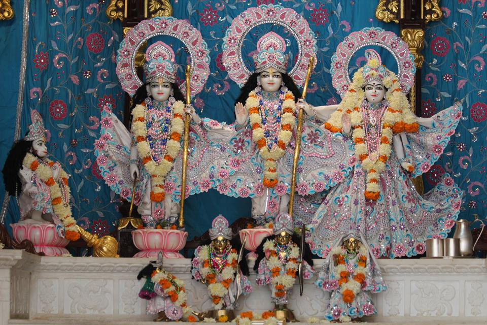 ISKCON Kanpur Deity Darshan 17 Dec 2015 (22)