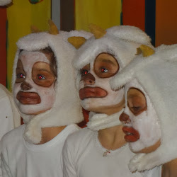 The Wolf & 7 little kids 2013