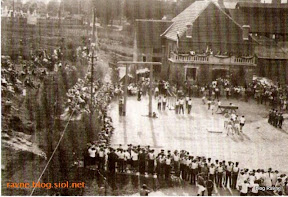 akademija pred sokolskim domom 1932.jpg