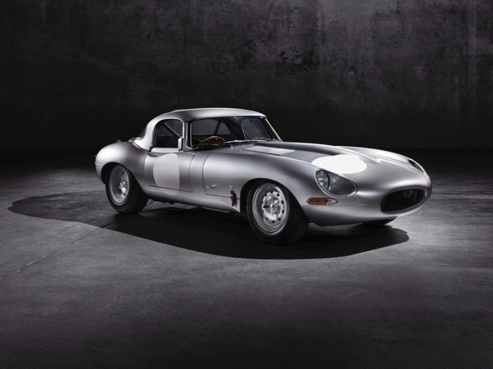 Jaguar Lightweight E-Types Hero_06