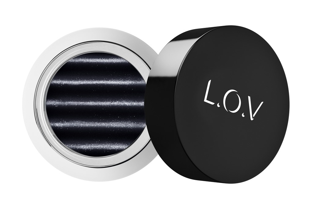 [LOV-EYETRACTION-magnetic-loose-eyeshadow-580-p1-os-300dpi%5B1%5D%5B4%5D]