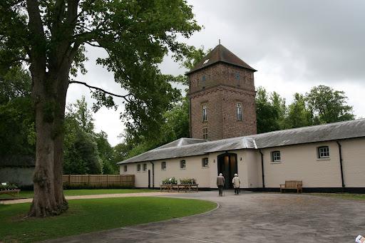 0905 051 Polesden Lacey Estate, Surrey, England