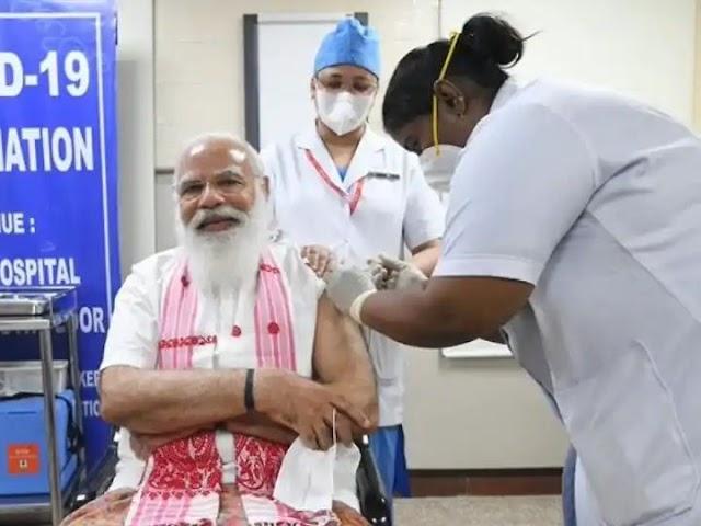 corona virus news : पीएम मोदी ने  एम्स में लगाई कोरोना वैक्सीन  , बोले आओ मिलकर भारत को मुक्त करें कोरोना वायरस से,,,,