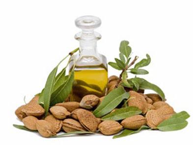 فوائد زيت اللوز الحلو Almond_oil