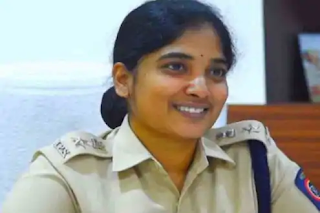 this-woman-police-officer-was-married-at-age