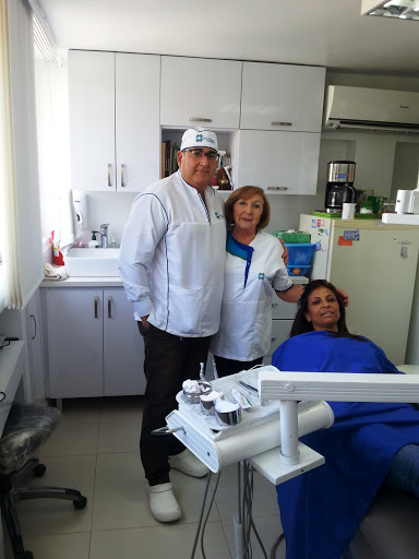 Colombian Dentists Bite Into Dental Travel Trend