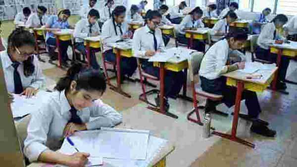 सीबीएसई  10 और 12 बोर्ड परीक्षा की तारीखों की घोषणा, 15 जुलाई तक परिणाम