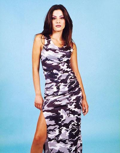 Arab Model Rania Irani standing