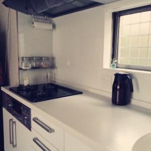 キッチン 収納 シンプル