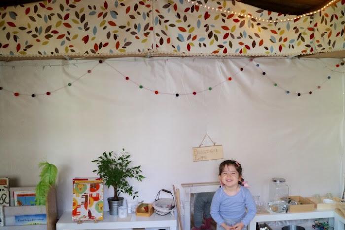 Show me Montessori, practical life, shelfs Montessori