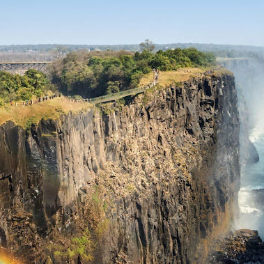 DISCOVER THE MYSTICAL BEAUTY FOUND IN SOUTH AFRICA And it doesn't have to end...