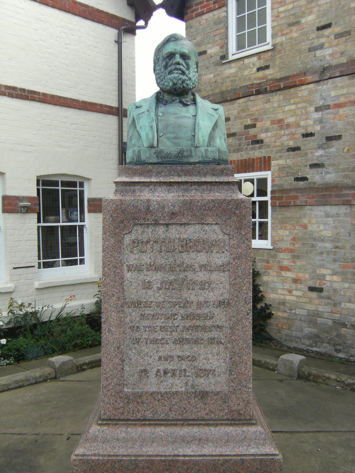 DSCF9441 Statue of Potto Brown, Houghton